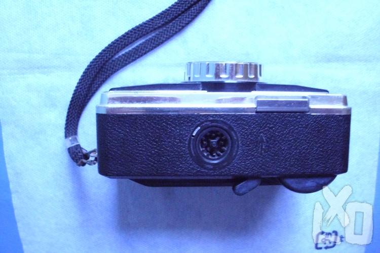 """Eladó egy """"veterán"""" KODAK 155 x Instamic kamera a ( 1970-es évekből ). apróhirdetés"""