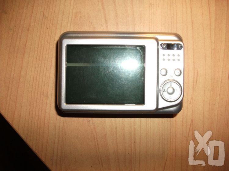 Eladó digitális (kis hibával) Fujifilm Pinefix AX-200 alig használtan. apróhirdetés